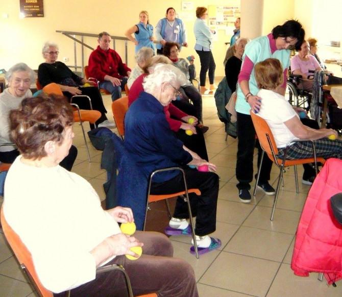 rehabilitační cvičení únor 2017